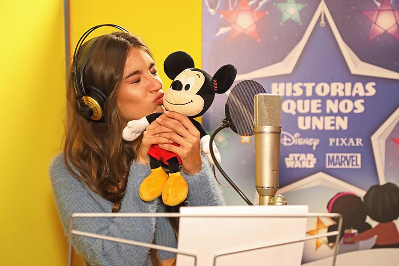 Ana Guerra graba la canción de Historias que nos unen - Just Retail