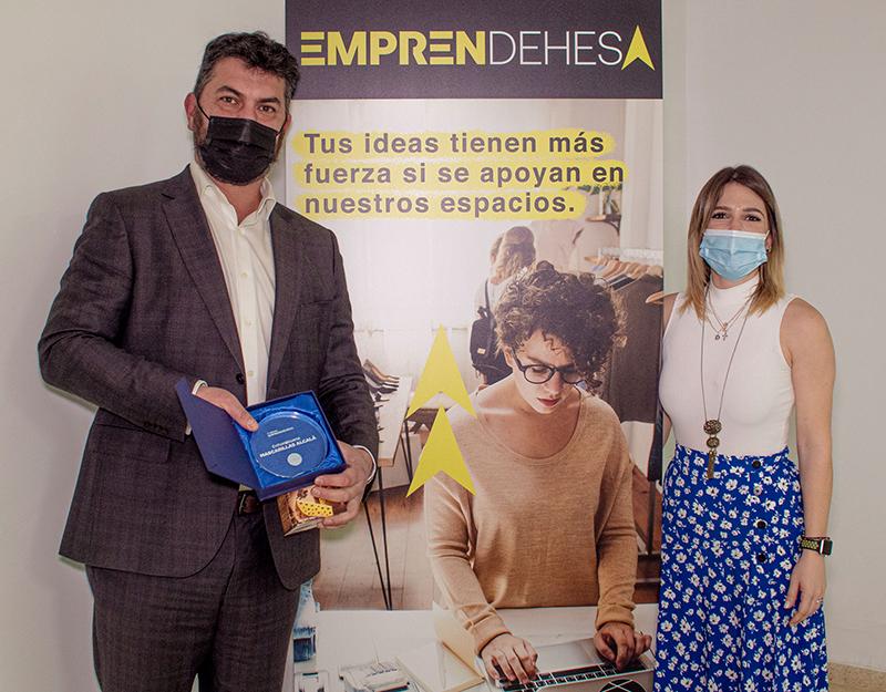 La Dehesa concede el premio EmprenDehesa a 'Mascarillas Alcalá' - Just Retail