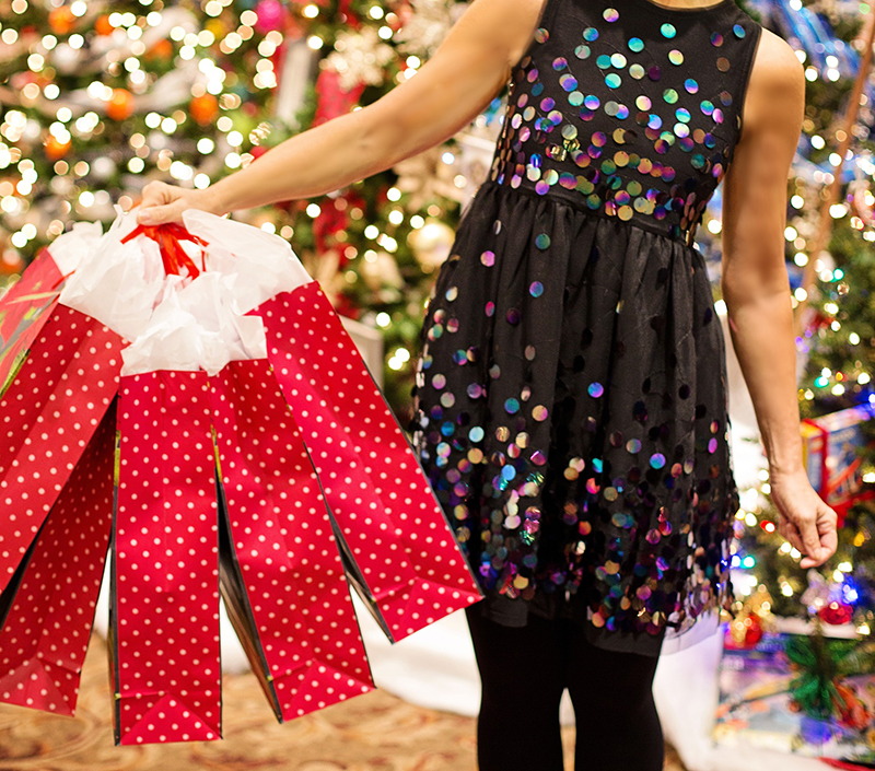 Los españoles planean gastar un 25 % menos estas Navidades pero aún prefieren la tienda física - Just Retail
