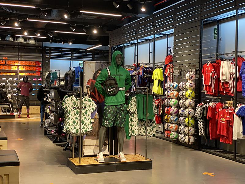 Splau acoge la apertura de Fútbol Emotion - Just Retail