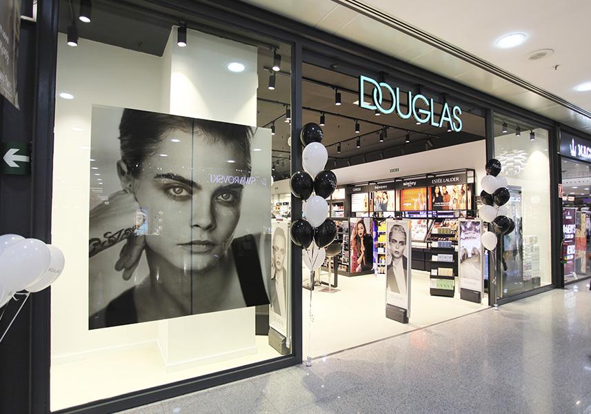 Douglas anuncia un ERE para 600 trabajadores y el cierre de 97 tiendas - Just Retail