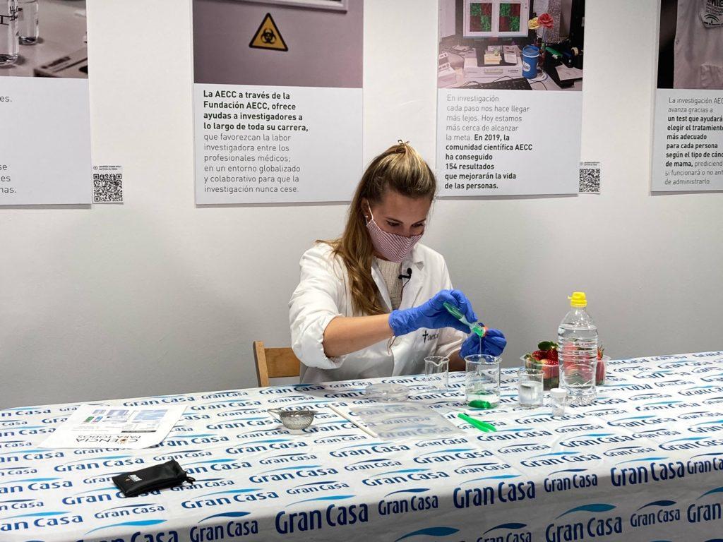 GranCasa desarrolla un taller de extracción de ADN junto con la AECC - Just Retail