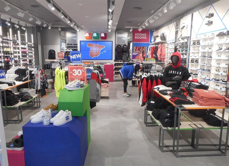 AW Lab abre tienda Salera noticias retail