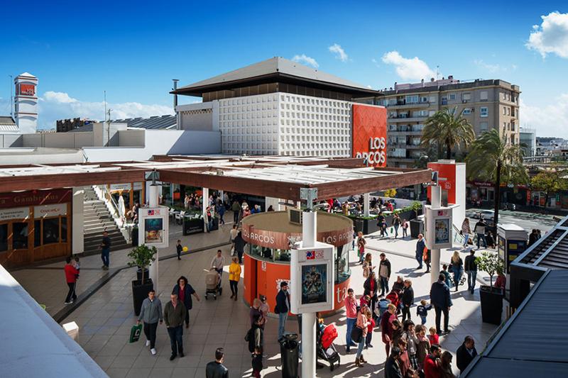 Castellana Properties Flexibleplaces acuerdo Los Arcos alquiler espacios noticias retail