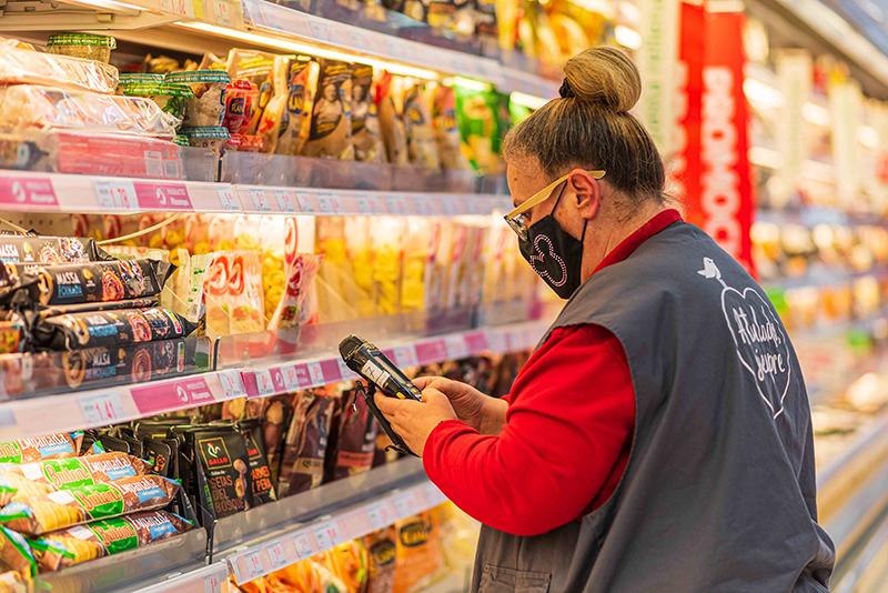 Alcampo creación de empleo verano noticias retail
