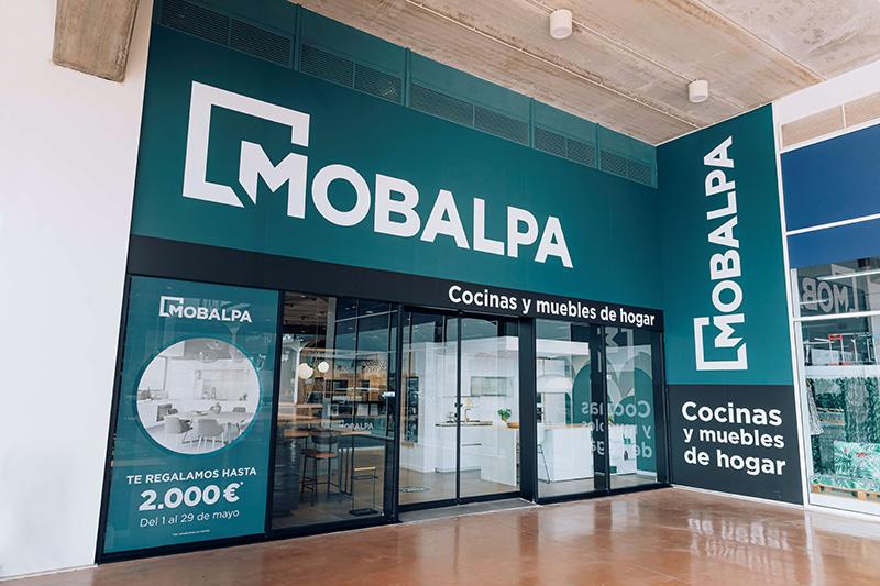 Mobalpa apertura primera tienda Valencia noticias retail