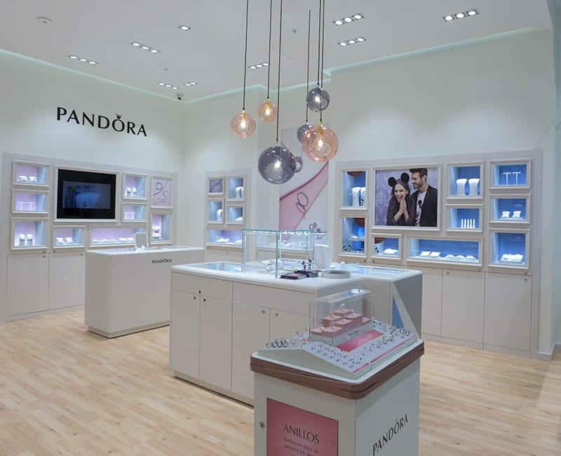 Pandora abrirá tienda Portal Marina noticias retail