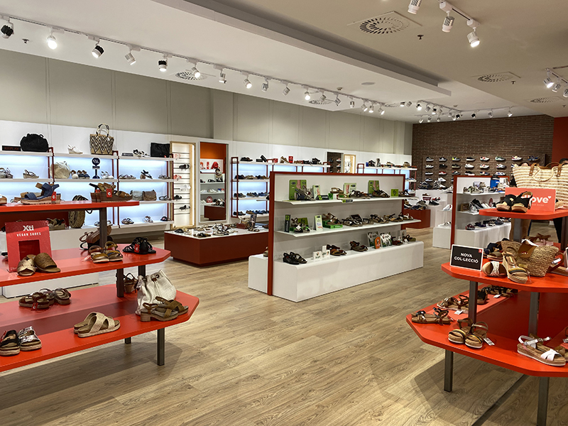 Querol calzado centro comercial Splau apertura noticias retail