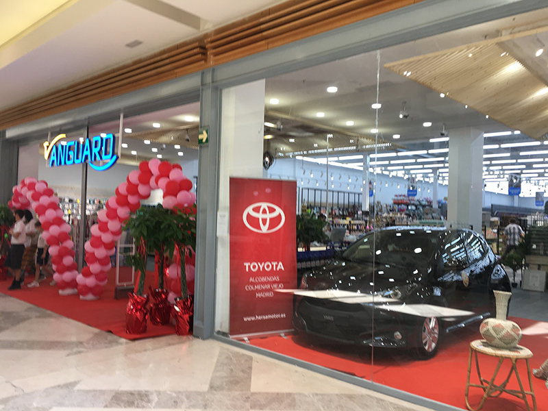 Vanguard abre tienda 2.000 m2 Ventanal Sierra noticias retail