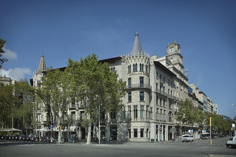 Adidas flagship store paseo de Gracia Barcelona Palau Pascual i Pons noticias retail