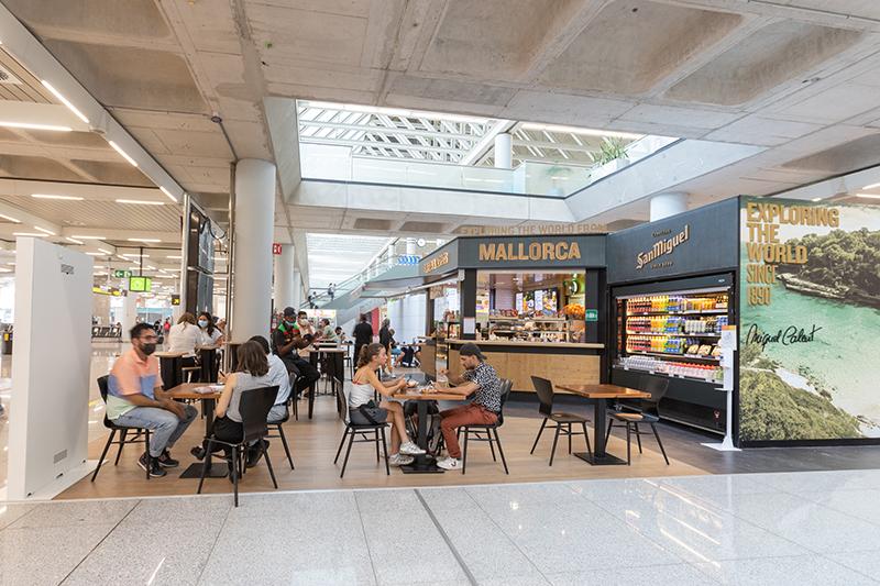 Exploring The World by Miquel Calent Areas aeropuerto Palma de Mallorca restauración noticias retail