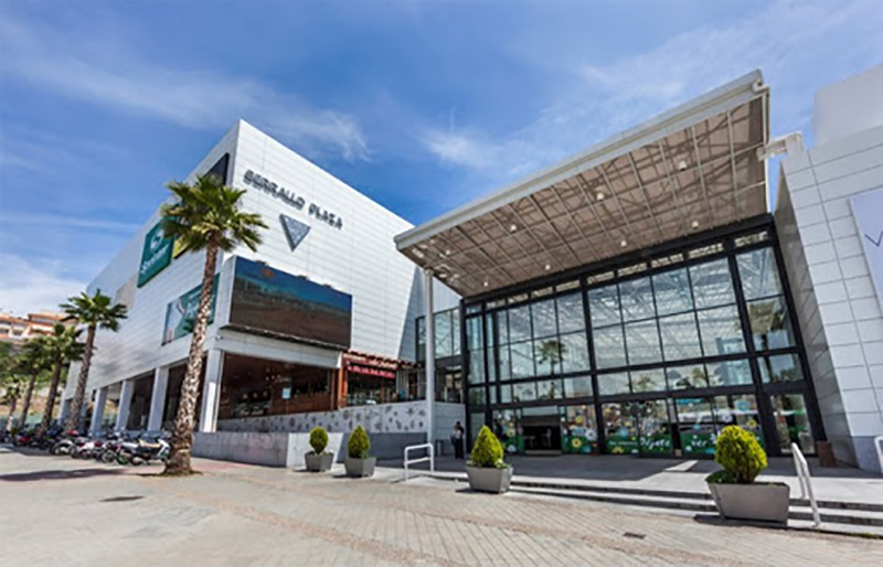 Serrallo Plaza Granada aperturas LyC Consultores noticias retail