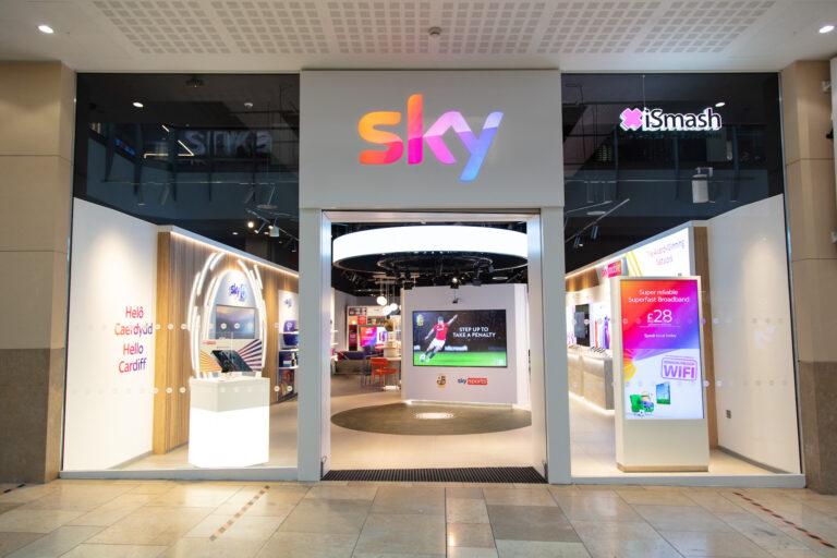Sky St David's Cardiff primera tienda física Gales noticias retail