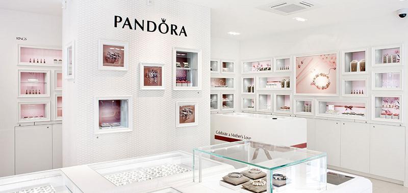 pandora flagship Barcelona noticias retail