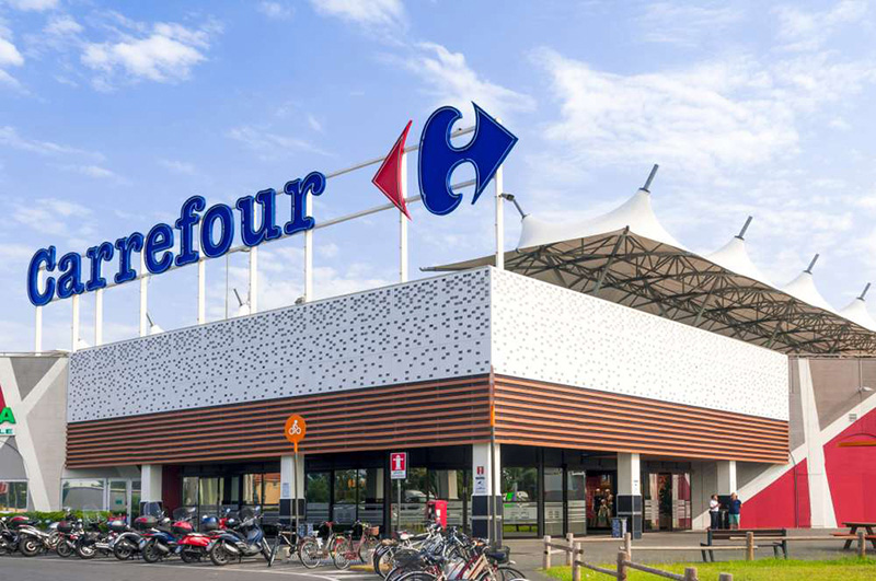 Carrefour venta hipermercados Realty Income 93 millones euros CBRE noticias retail
