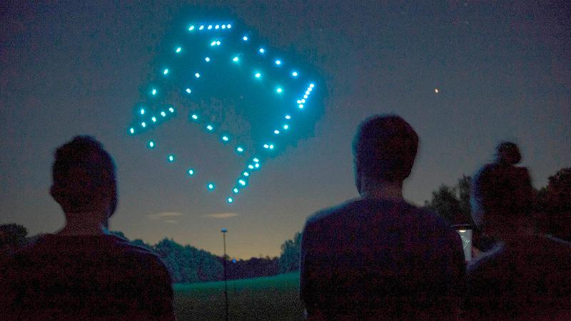 Equipo Kapta Umiles shows drones noticias retail