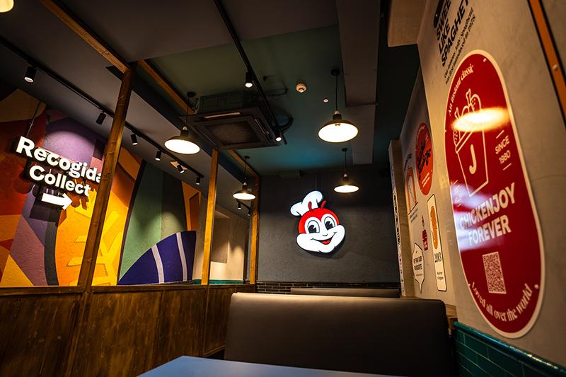Jollibee Madrid restaurante Espana noticias retail