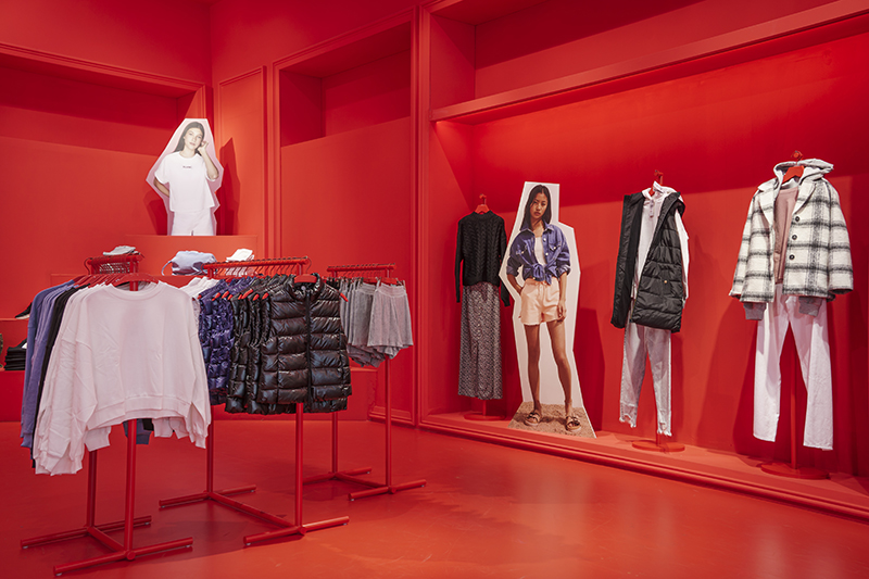 Mango tiendas pop-up línea teen apertura Granada noticias retail