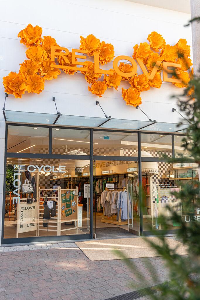 Via Outlets iniciativa Relove sostenibilidad pop up tienda noticias retail